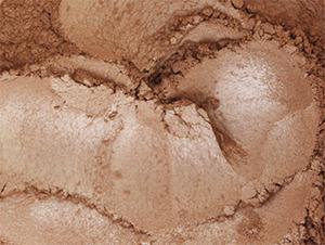 <b><i> Oogschaduw Sand</b></i>